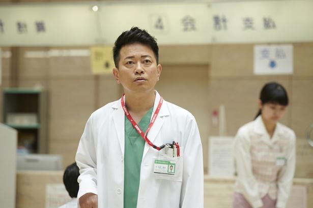 """宮迫は、波瑠演じる朋が淡い恋心を抱く""""かも""""という敏腕医師を熱演!"""