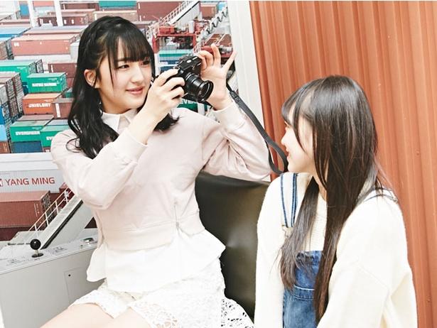 お互いの写真を撮りあう芽瑠&阿紀