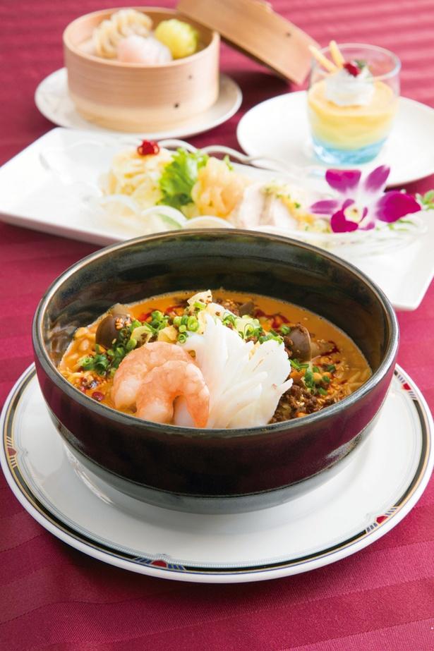 ホテル横浜キャメロットジャパン中国料理「桃花苑」の特製四川風担々麺