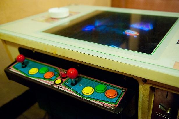 最近では珍しくなったテーブルゲーム機。テレビ番組『ゲームセンターCX』にも登場したことがあるという