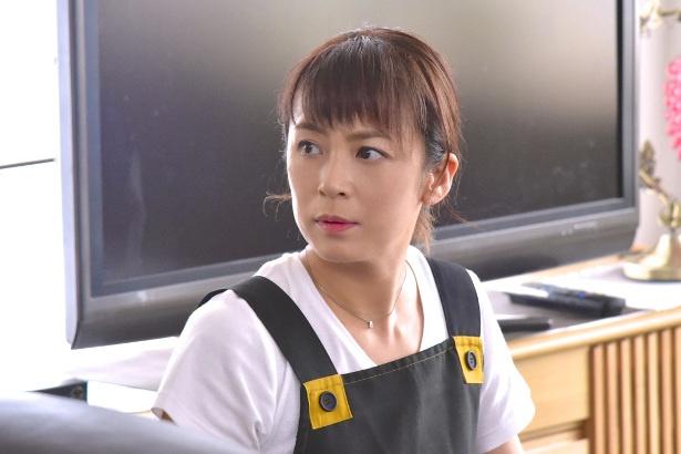 """【写真を見る】結果に""""コミット""""した後初めてのドラマ出演で佐藤が見せる""""イヤな女""""とは!?"""