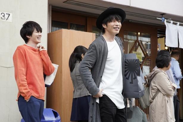 田中と林は偶然通りかかった宣伝カーに大爆笑!