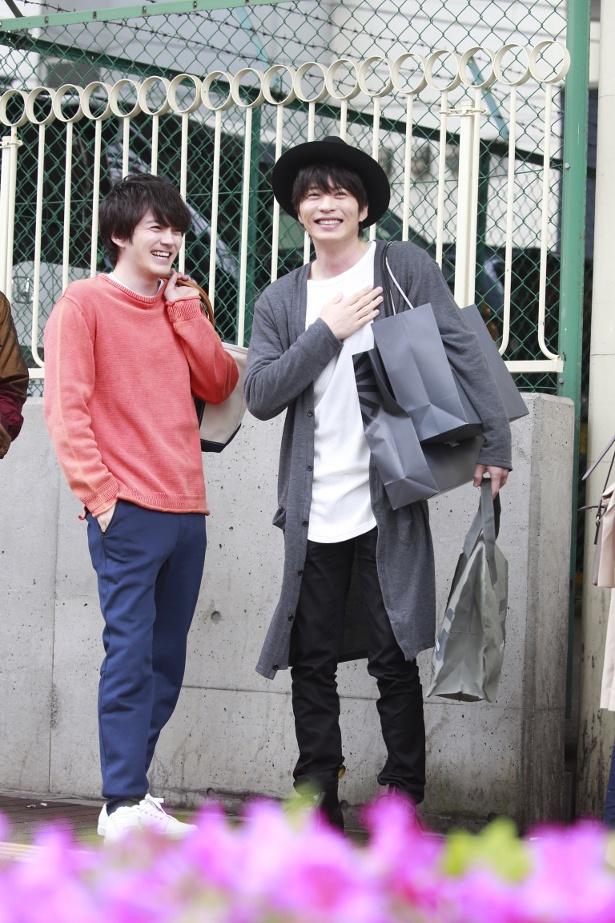 撮影の合間も終始楽しそうな田中と林