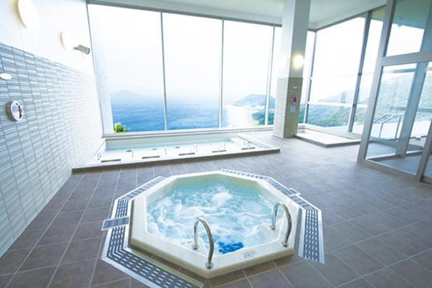 男女それぞれ備えるジャグジー風呂。ジェット気流と優しい気泡で、効率よく体を刺激する