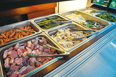 フードは焼肉メニューや名古屋めしを中心に、60種類以上が並ぶ