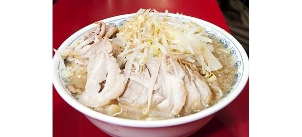 【写真】煮豚やスープなど、二郎の魅力を徹底解剖!