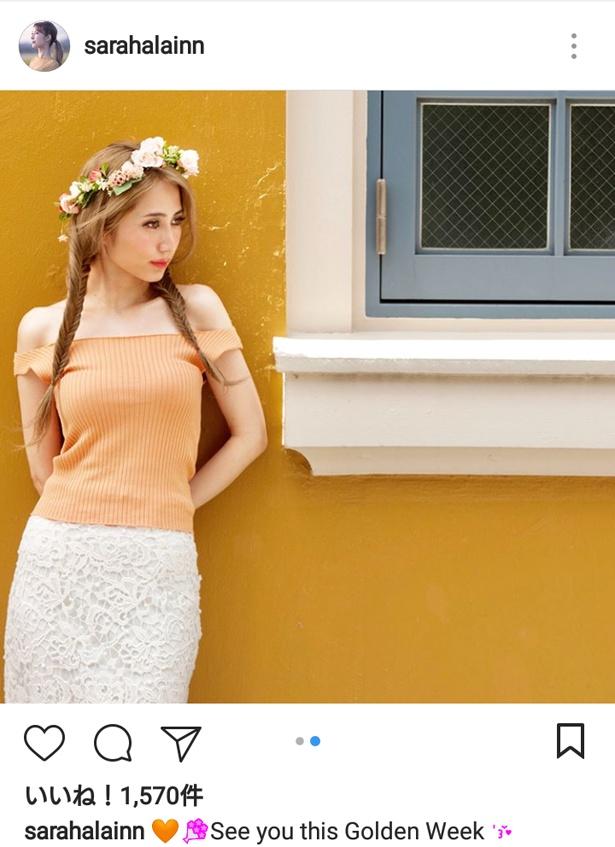 【写真を見る】天使のよう…! 花冠を載せたサラ・オレインのはかなげなショット