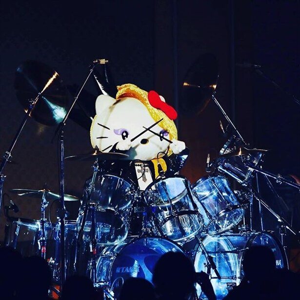 ドラムとピアノが得意なyoshikitty、人気投票企画で大躍進!