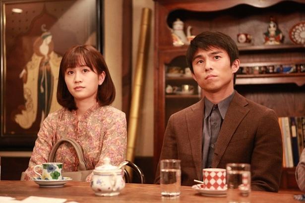 中尾明慶(右)と前田敦子(左)も出演する