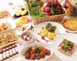 パスタや肉料理、魚料理は週替りでメニューに入る
