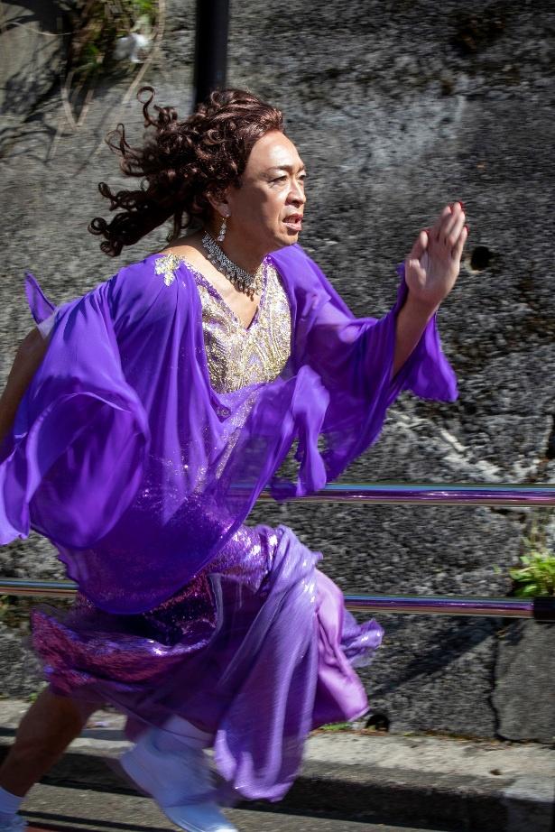 47歳の最年長ランナー・島茂子の全力疾走カットを公開!