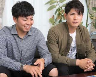 質問に答える東選手(左)と神里選手(右)