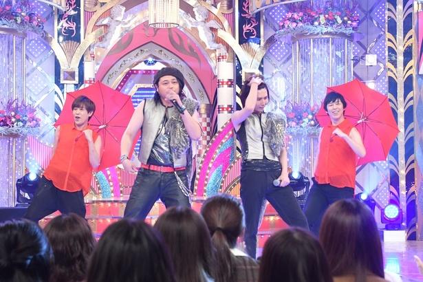 5月22日(火)放送の「ものまねグランプリ―」にジャガーズが登場!(赤い衣装がジャガーズ)