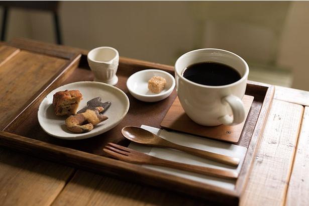 <珈琲焙煎屋 Petani coffee>「ドリップコーヒーお菓子セット」(530円)