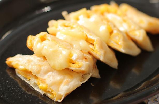 もちっとした特製クレープに薄焼き卵とチーズを巻いた台湾の朝ご飯、蛋餅(タンビン)