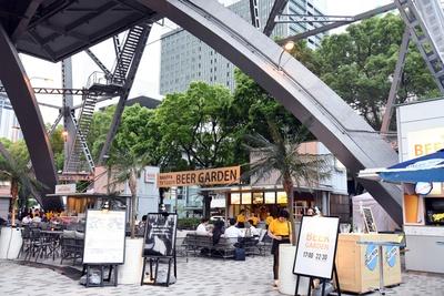 名古屋テレビ塔は久屋大通公園内にあり、緑がいっぱい!