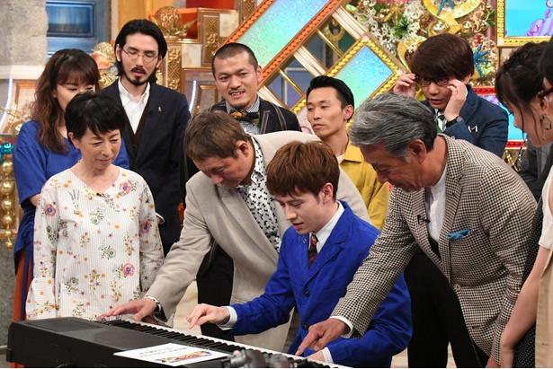 """ウエンツ瑛士は、話題の""""魔法の伴奏""""に挑戦!"""