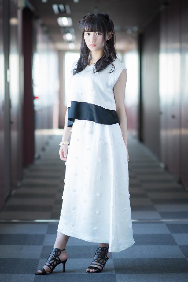 映画「トウキョウ・リビング・デッド・アイドル」でアイドル役を演じる浅川梨奈