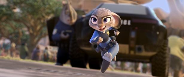 「夢を信じる」警察官のウサギのジュディ