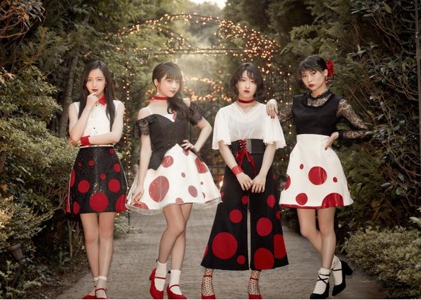ニューシングル「kissはあげない」のアーティスト写真、ジャケット写真を公開した東京女子流