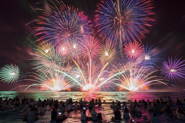 全国でも活躍する三河地域の花火師が手がける。花火が打ちあがるショータイムは19:20から