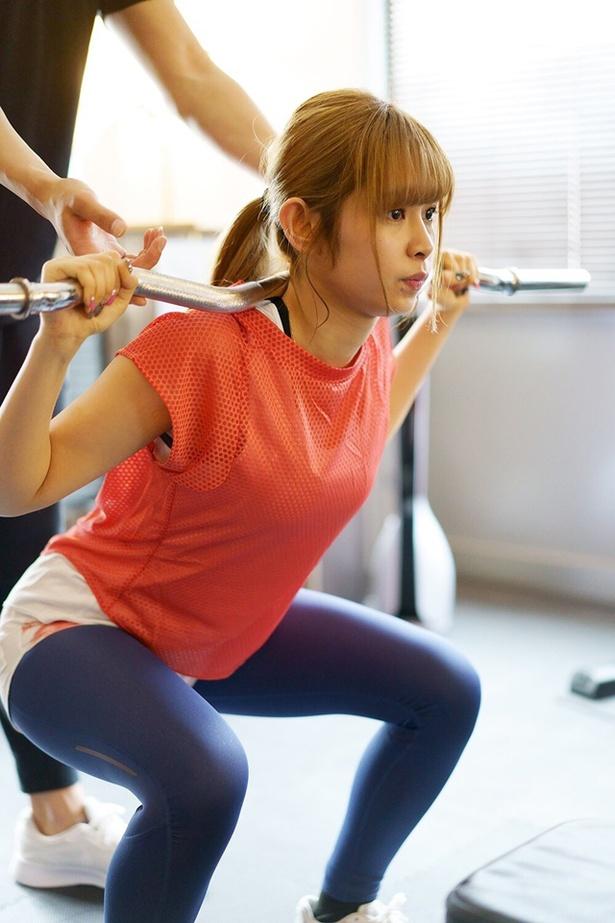 3カ月間のパーソナルトレーニングで、ウエストを57cmまで引き締め、体脂肪率を23%まで引き下げることを目標とした