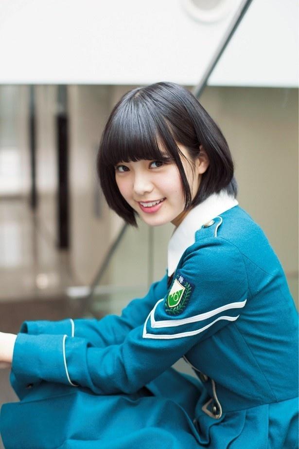 【写真を見る】激レア!CDデビュー前、当時14歳の平手友梨奈。笑顔が天使…!!