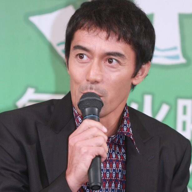 【写真を見る】ゲストの阿部寛も「みんなが雑誌で一生懸命美味しい店を探していた…僕の周りでは」とちょっとごまかしつつ?バブル当時を振り返った