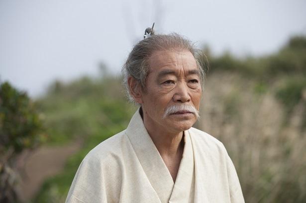 柄本明、「西郷どん」演じる鈴木亮平の印象は『でかい!(笑)』