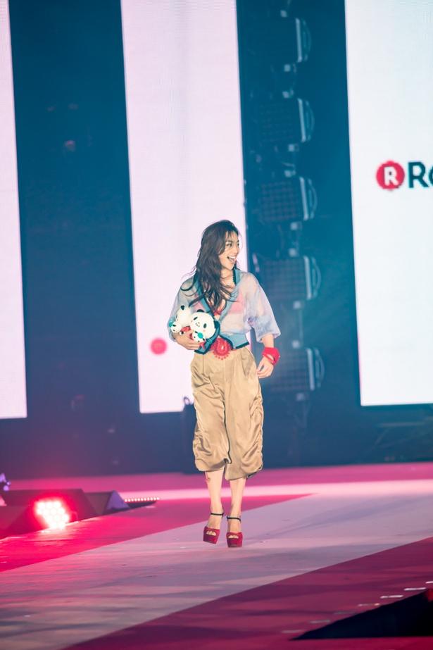 中村アン(Rakuten GirlsAward 2018 SPRING/SUMMER)