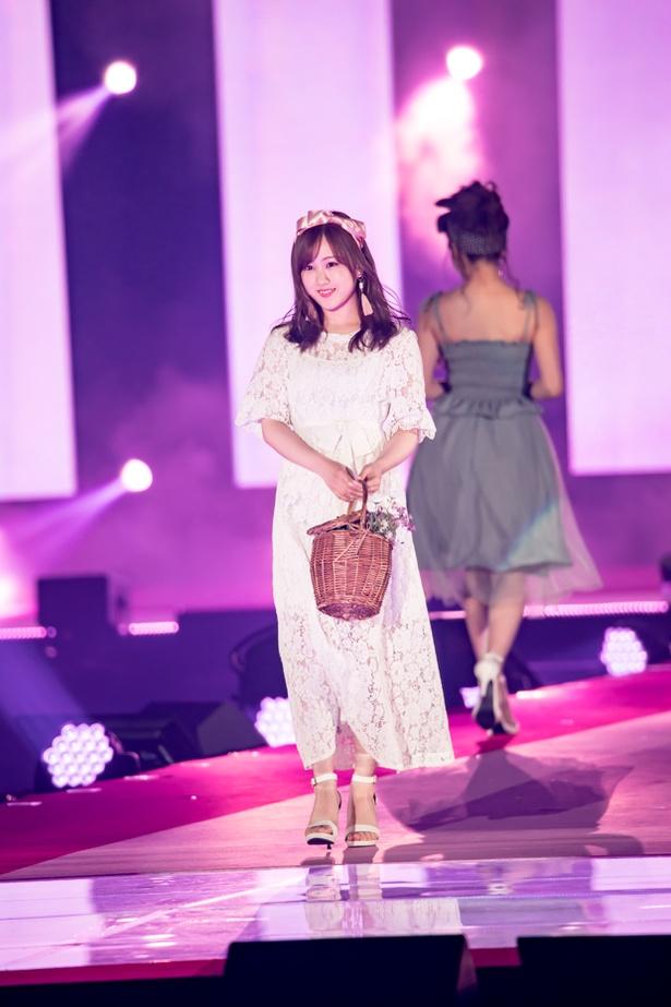 乃木坂46(Rakuten GirlsAward 2018 SPRING/SUMMER)