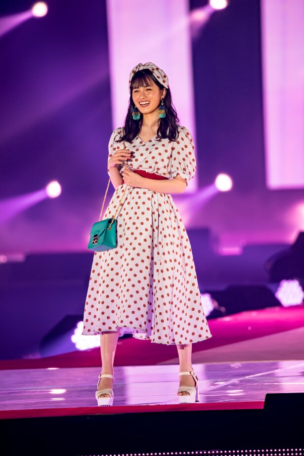 乃木坂46(Rakuten GirlsAward 2018 SPRING/SUMMER)