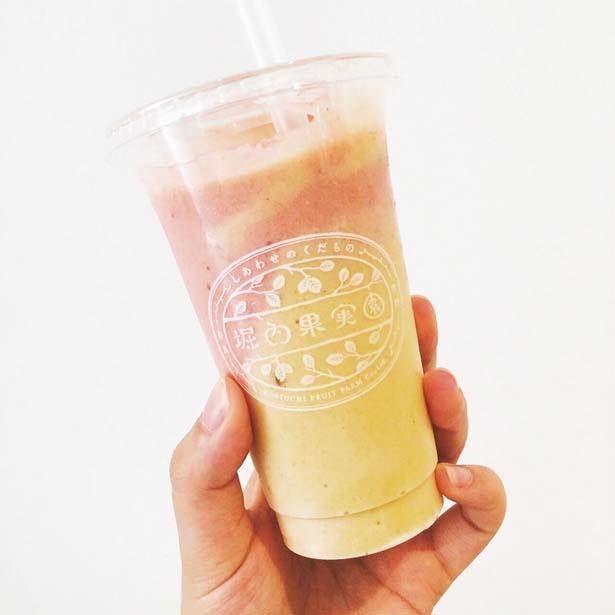 「スムージー(柿&いちごミルク)」(601円)/毎日のくだもの習慣