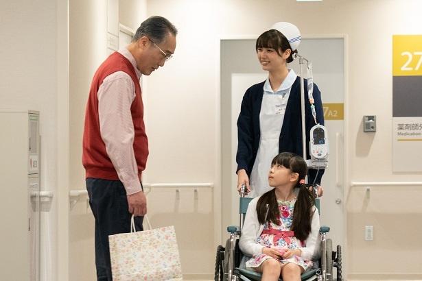 新川優愛主演の「いつまでも白い羽根」に、次期ドラマ「限界団地」主演の佐野史郎が登場