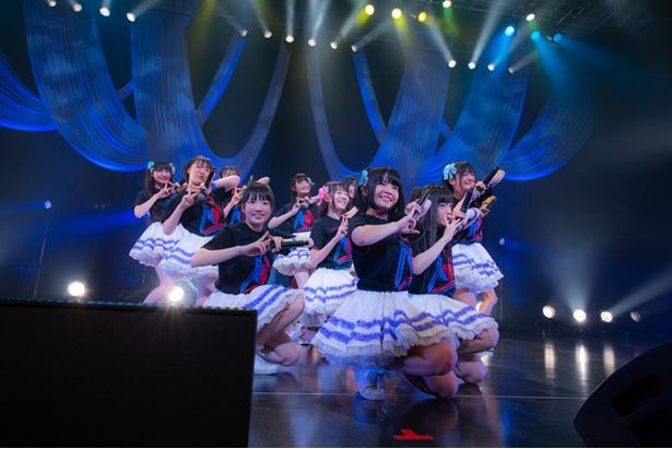 虹のコンキスタドールが、ワンマンライブ「虹の大三角形 in 東京~The Story of Rainbow」を開催