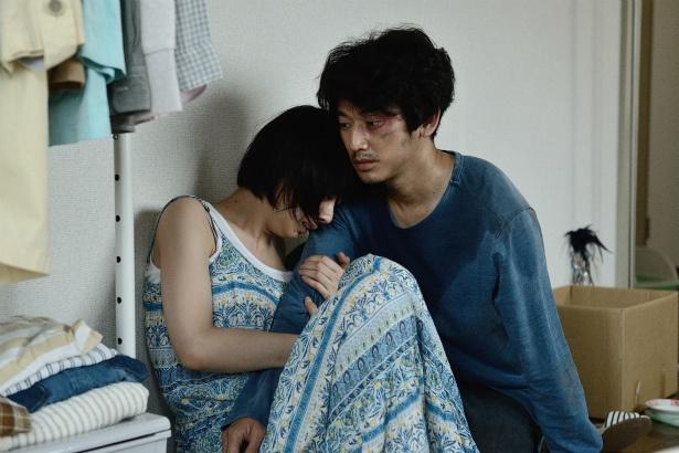 【写真を見る】瑛太と夏帆が心を通わせる名シーン