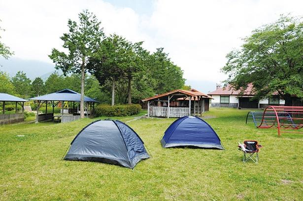 最長で9:00から翌17:00までキャンプができ、予約をすればテントのレンタル(1000円)も可能だ
