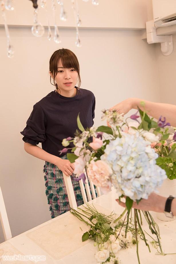 青木瑠璃子、お花をたしなみ可憐な乙女に…!