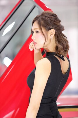 「メガスーパーカーモーターショー2018 in 熊本」で見つけた美人コンパニオン