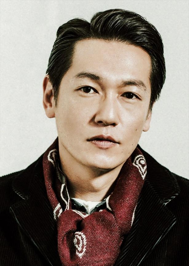 「健康で文化的な―」でえみるの指導係・半田を演じる井浦新