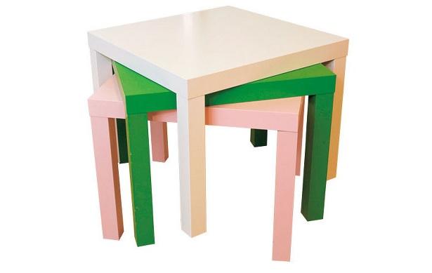サイドテーブル(55×55�)は各1500円