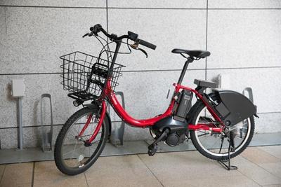 「東京・自転車シェアリング広域実験」の自転車は自動でライトが点灯するので安心!