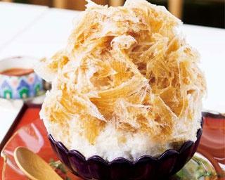 「かき氷 焙じ茶みつ きな粉練乳付」(1188円)/お茶と酒 たすき