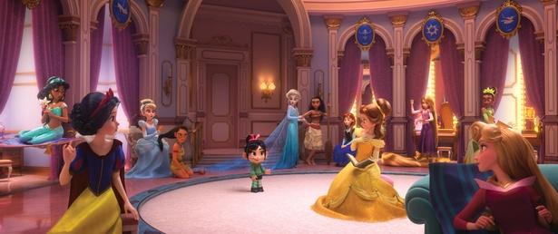 シンデレラに白雪姫、アナやエルサまで憧れのディズニープリンセスが『シュガー・ラッシュ』続編で大集結!