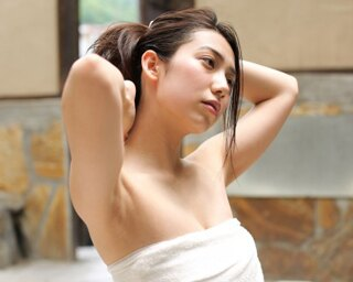 """""""九州の太陽""""こと佐藤あいりが、混浴温泉を巡る"""