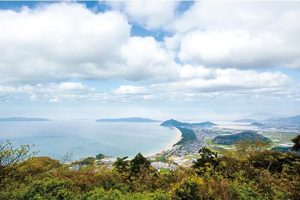 柑子岳 / 南東側がひらけており、長浜海岸や博多湾を一望出来る