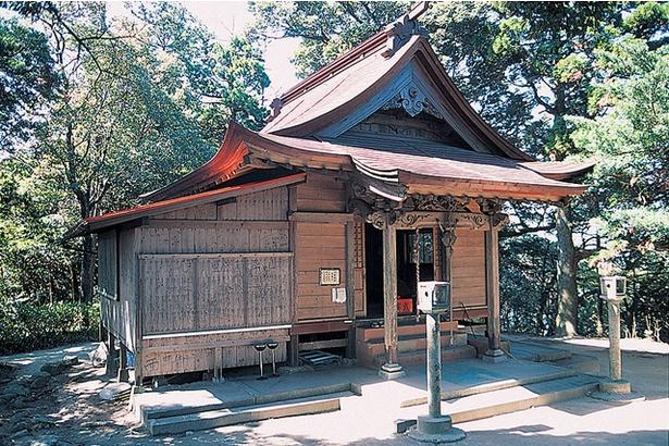叶岳 / 山頂には「叶嶽神社 上宮」が鎮座。願いを叶える力があると地元民からの信仰は厚い