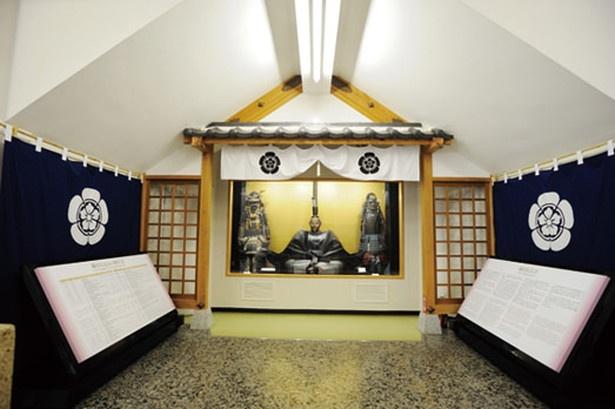 城内は史料展示室になっていて、織田信長や斎藤道三などの歴史的資料を見られる