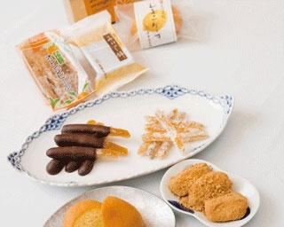 あわじオレンジスティック(1箱・75g)¥648 鳴門オレンジの皮を約半年間ミツに漬け込み、ほろ苦いベルギーチョコレートでコーティング