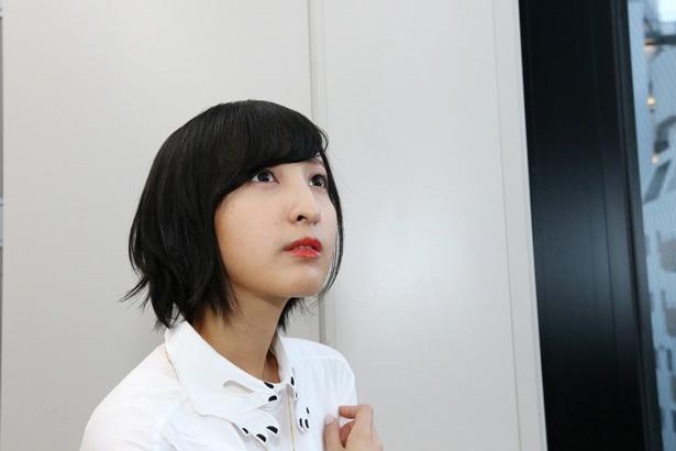 キャラクターを「男性や女性という前に、一人の人間として捉える」と話す佐倉